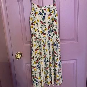 Old Navy white flower dress!!!